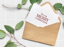 card-christmas-close-up-1530268
